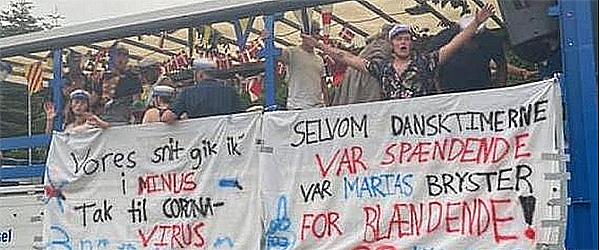 Studenter fra Frederikshavn Gymnasium viste afdøde respekt