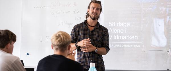Alfred fra Vildmarken besøgte handelsskolen